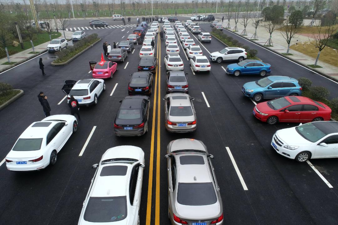 奥迪、宝马、大众等汽车巨头纷纷宣布大规模减产,发生了什么