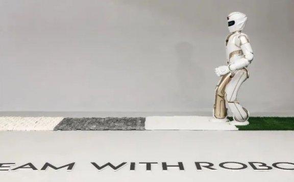 一个会下棋的人形机器人,背后有哪些技术力量和想象